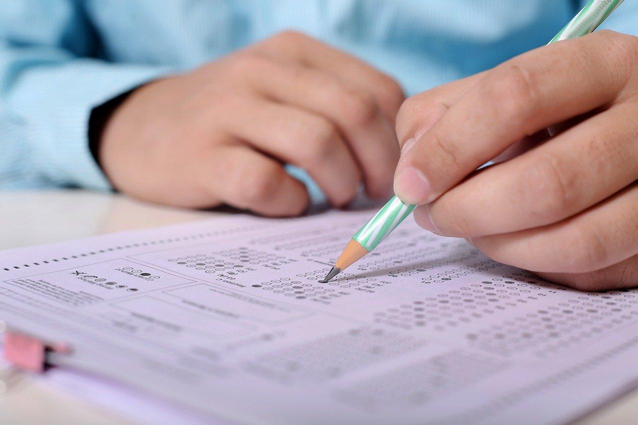 Das Lernen für eine Zertifizierung in einem Seminar oder durch Selbststudium kann eine Herausforderung sein.